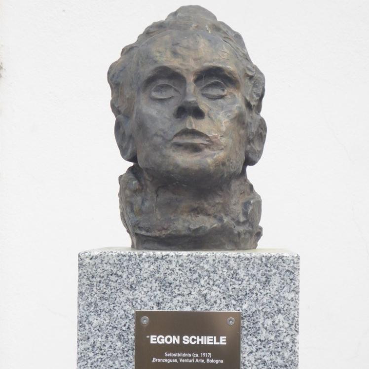 02 Schiele-Büste