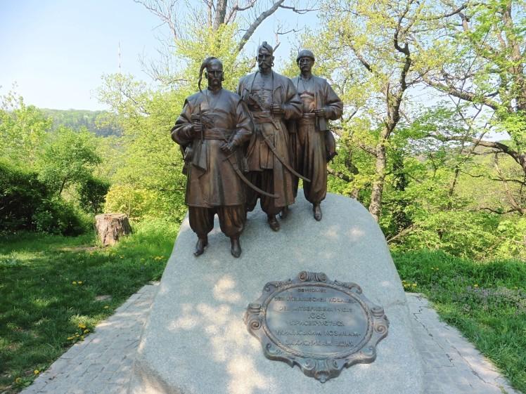 180422-11 Husarendenkmal am Leopoldsberg
