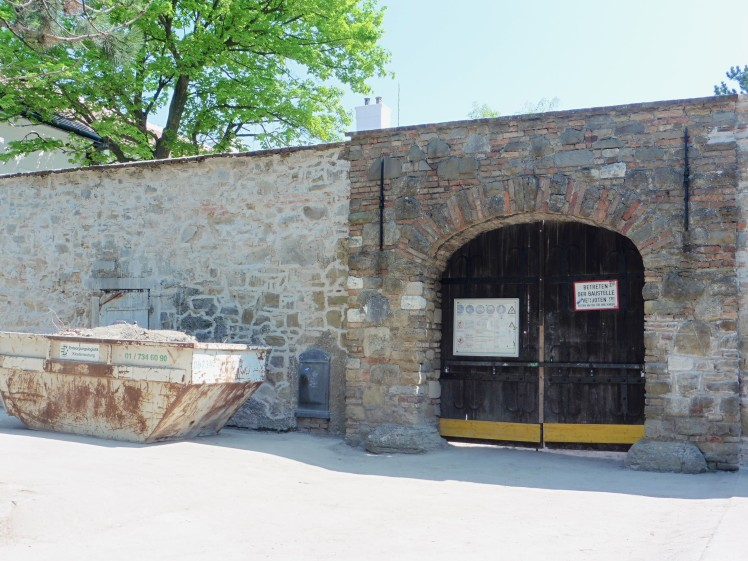 180422-25 Leopoldsberg Portal