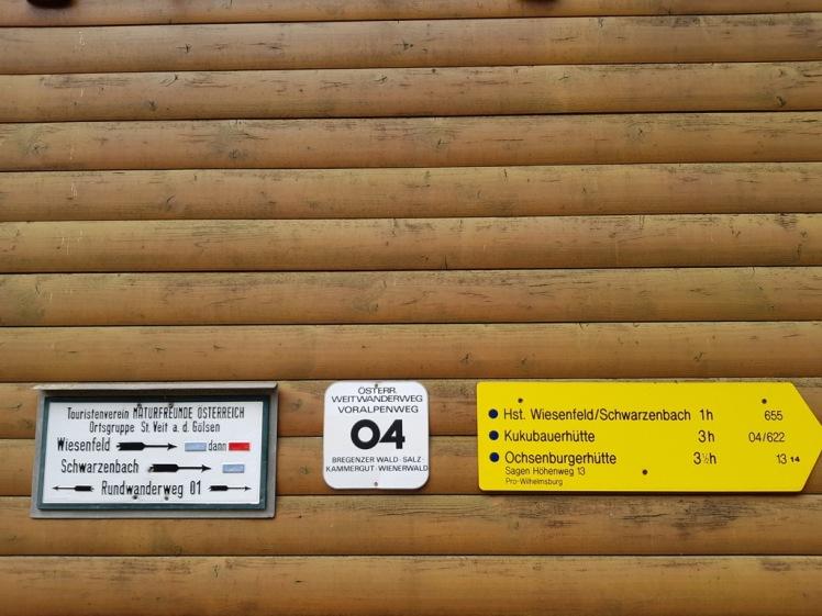 25 Wandertafeln an Stockerhütte