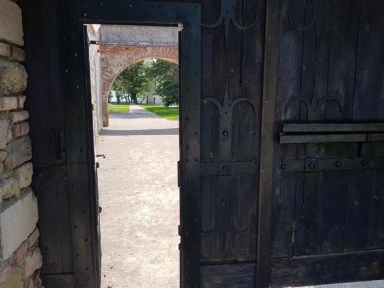 03A Leopoldsberg Eingang.jpg