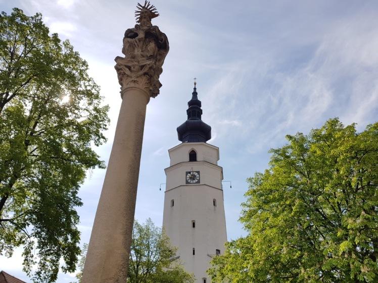 02 Pfarrkirche und Dreifaltigkeitssäule Königstetten 2