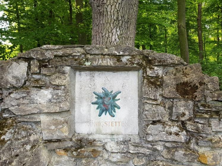 06 Jahn-Sgraffito auf Jahnhöhe
