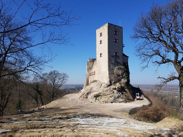 01 Burg Greifenstein kahl 1